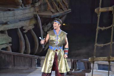 Sindbad, the star of the show!